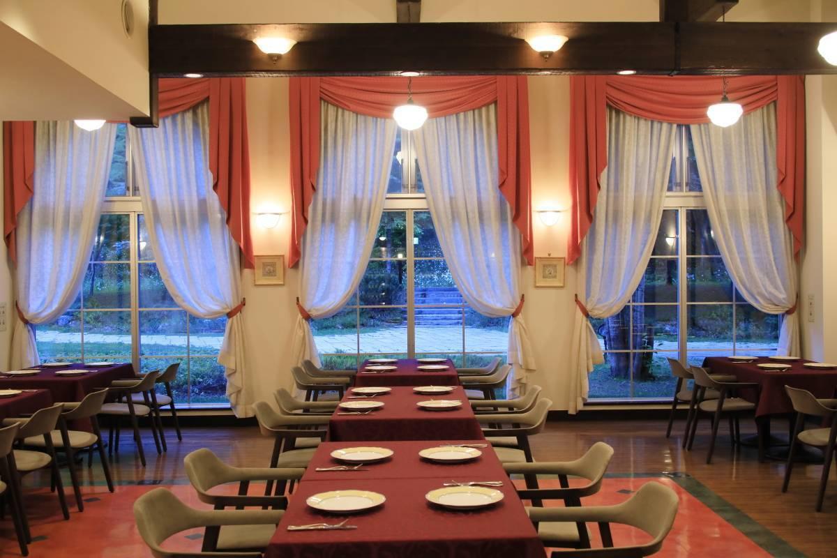 緊急事態宣言発令解除に伴う、館内レストランの通常営業再開について